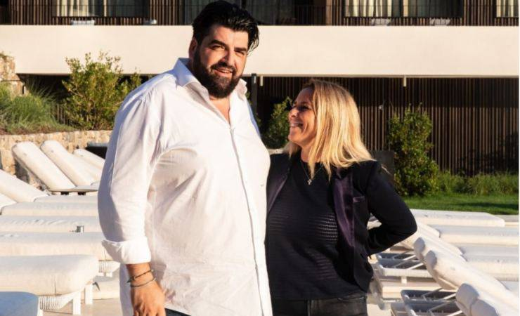 Antonino Cannavacciuolo con sua moglie Cinzia (Instagram)