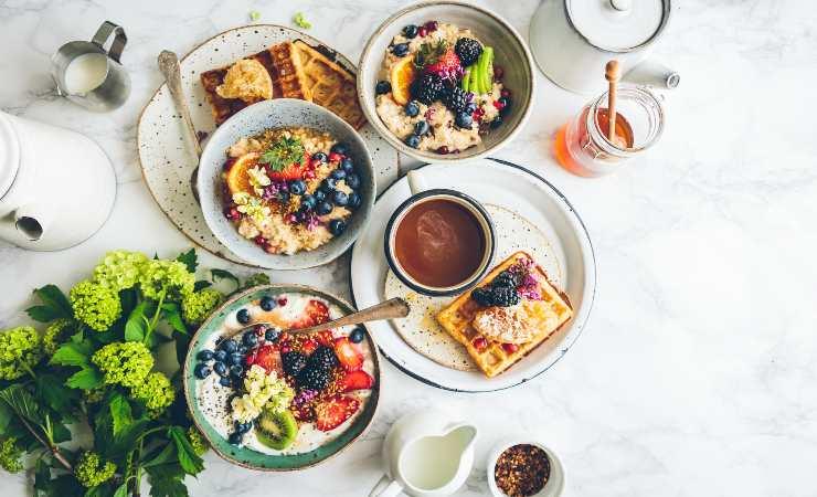 Fare colazione è importante per assumere nutrienti fondamentali (Unsplush)
