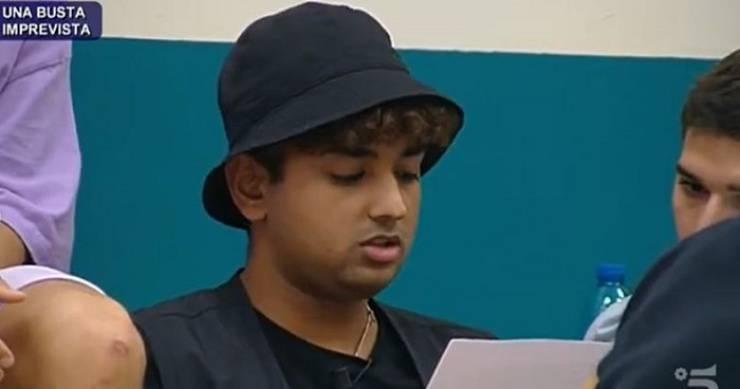 Inder è stato cacciato definitivamente dal programma