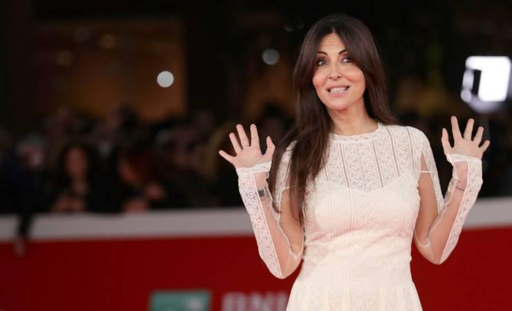 Sabrina Ferilli elegante e sensuale nella sua ultima foto pubblicata sui social (Getty, Vittorio Zunino Celotto)